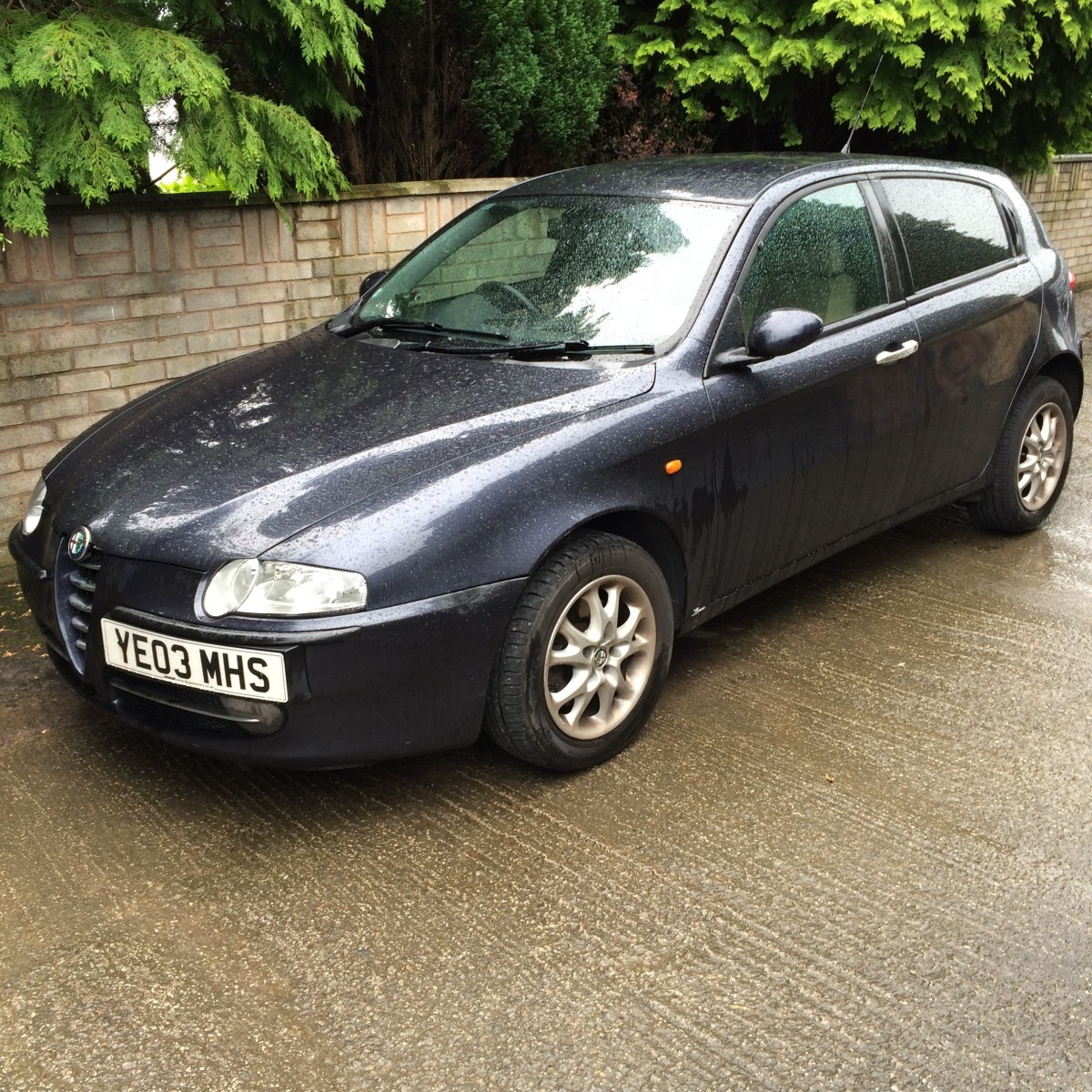 alfa romeo 147 gt rear brake discs and pads change. Black Bedroom Furniture Sets. Home Design Ideas