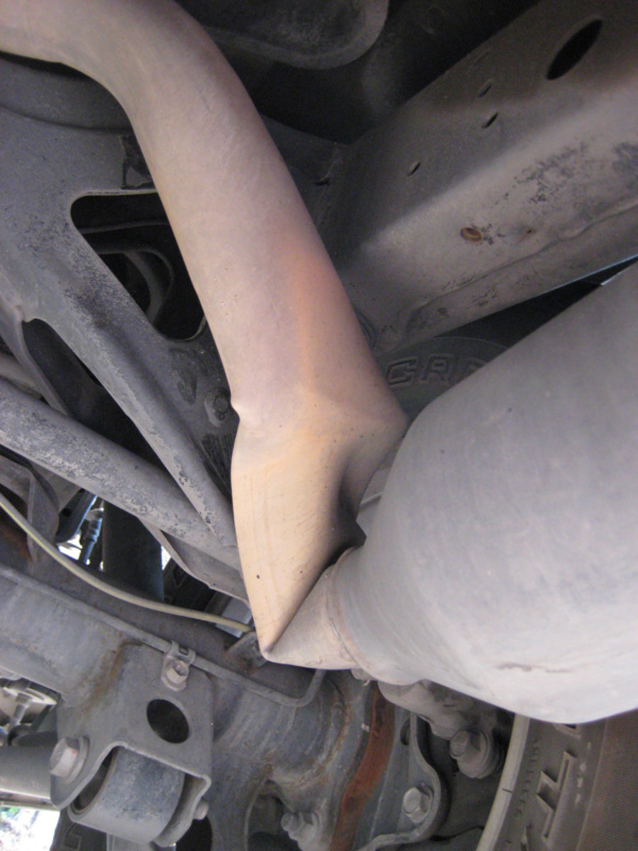 How to Fix the Exhaust Pipe or Muffler | AxleAddict