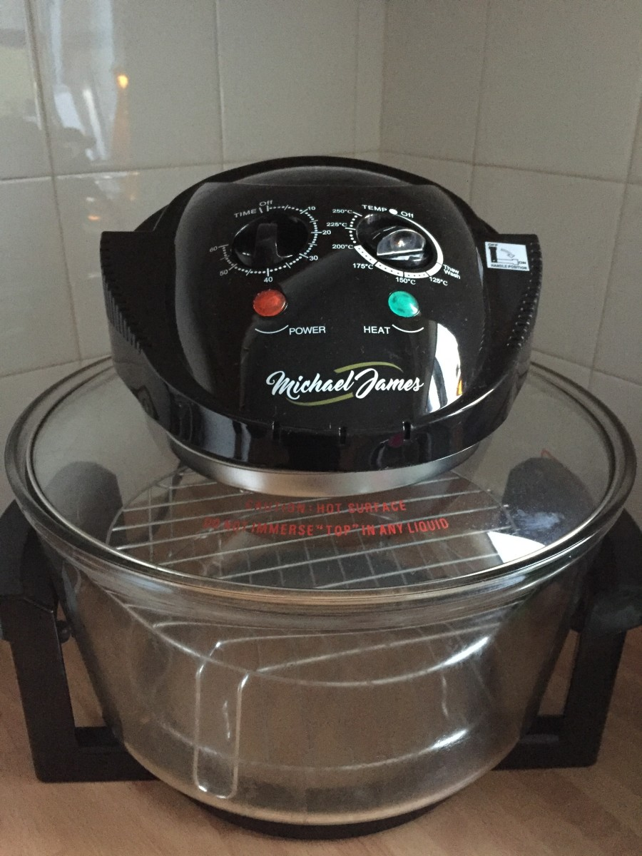 This review will breakdown some of the advantages and disadvantages of cooking with an halogen oven.