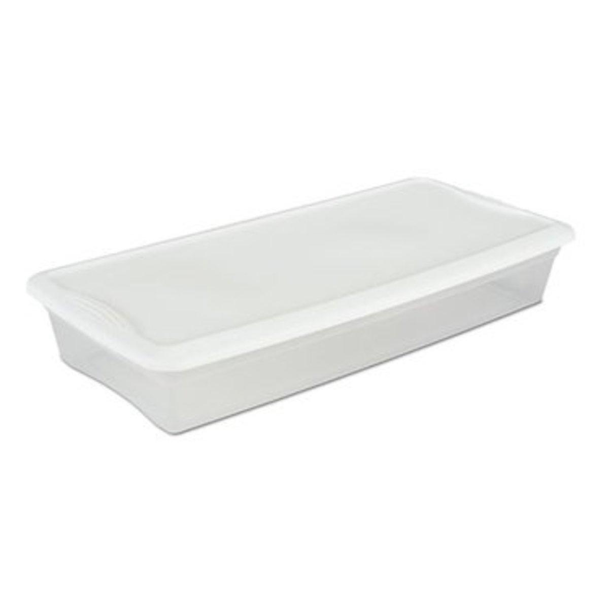 A 41-qt underbed tub