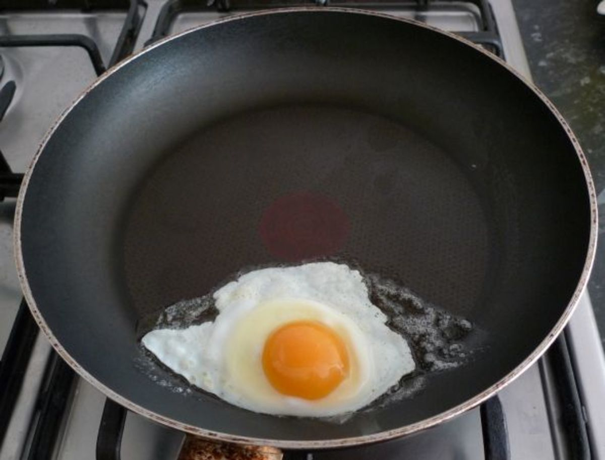 Silkie egg frying
