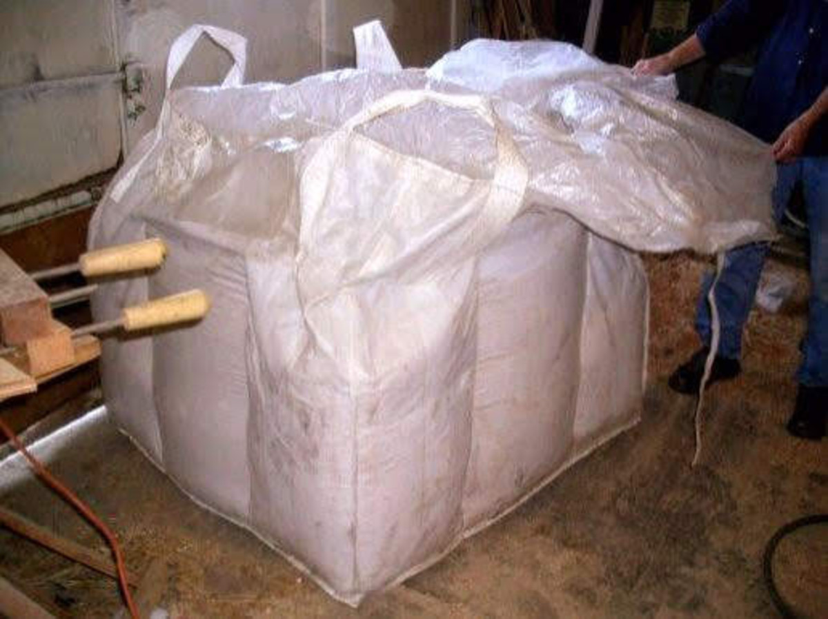 This grain tote makes feeding chores simpler than the alternative of feeding out of 50-pound bags.
