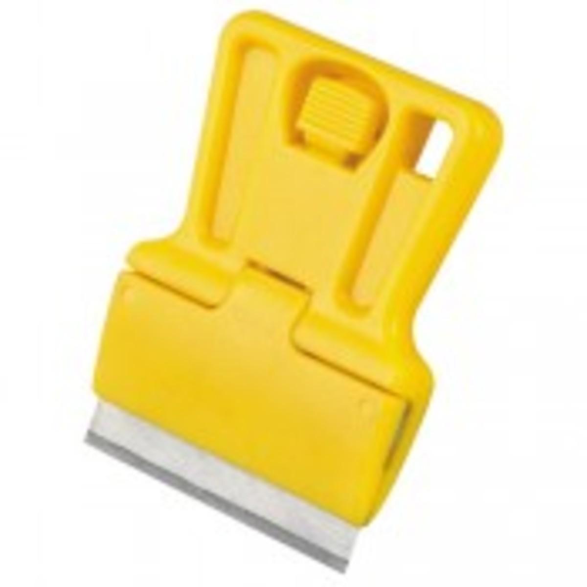 Scraper - single edge razor blade holder