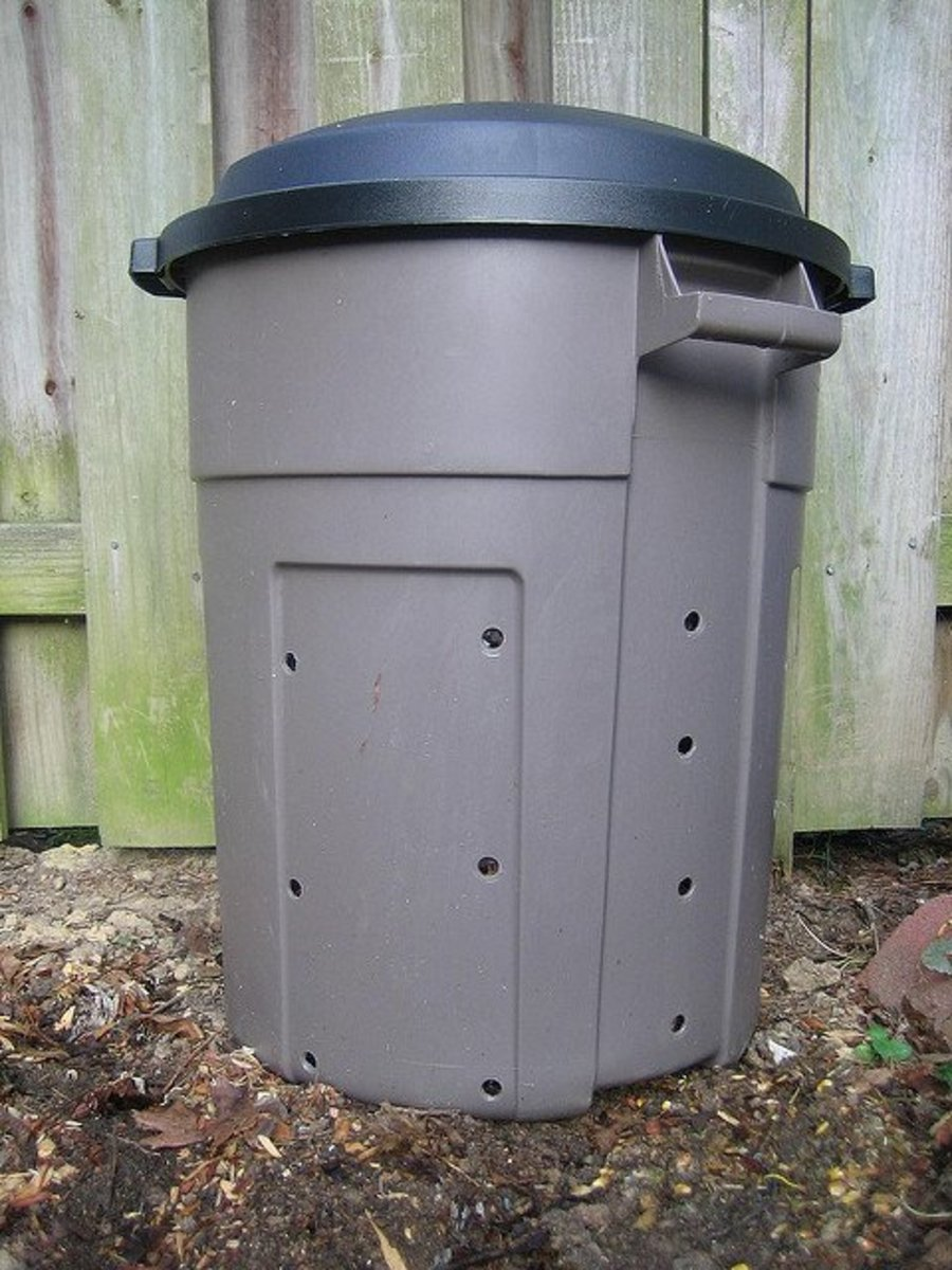 If your space is smaler and you want an easy composter, just use a trash can.