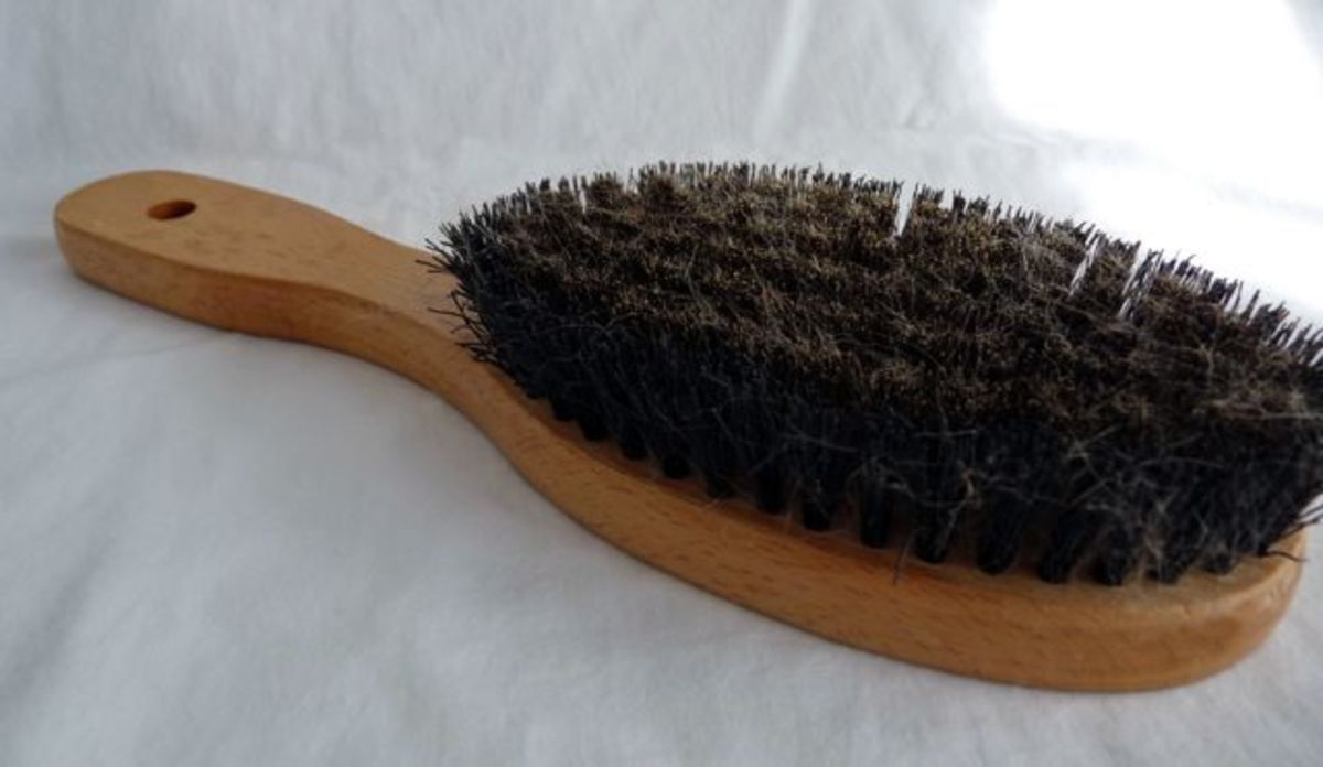 A basic brush with bristles of medium stiffness