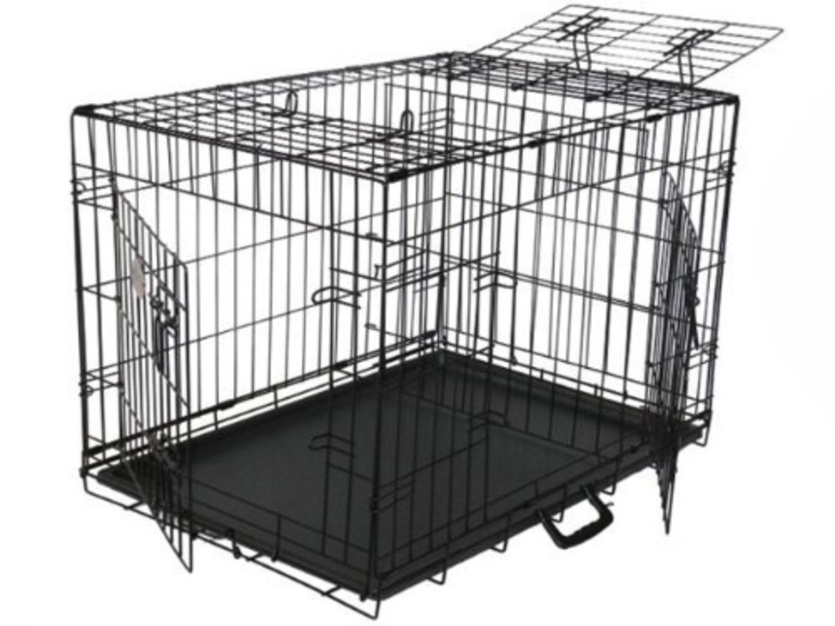 3-door wire mesh crate with movable divider.