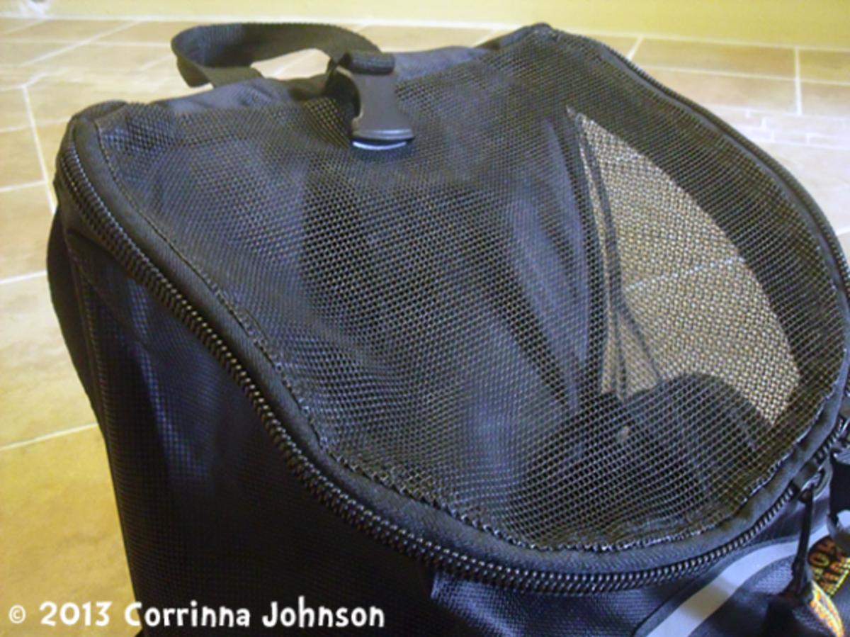 The bag has breathable mesh for good air circulation and visibilty.