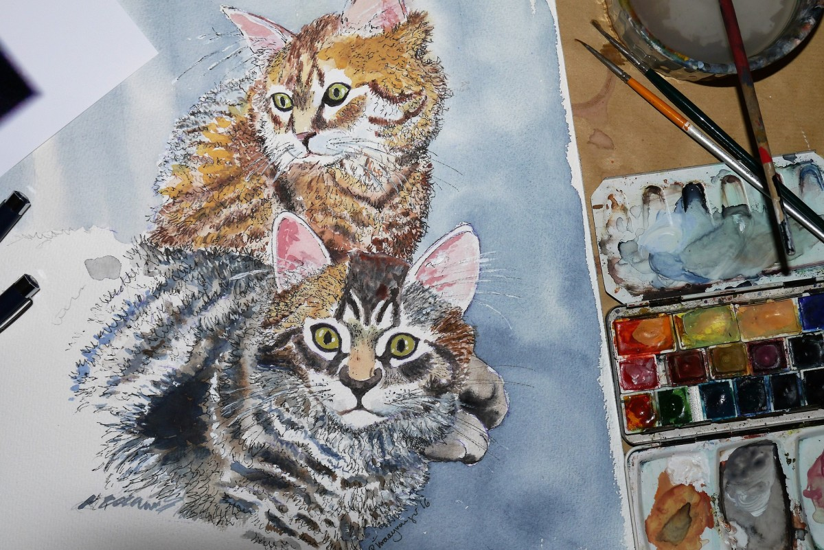 If you have a talent for drawing or painting, doing a memorial portrait of your friend's pet is nice sympathy gift.