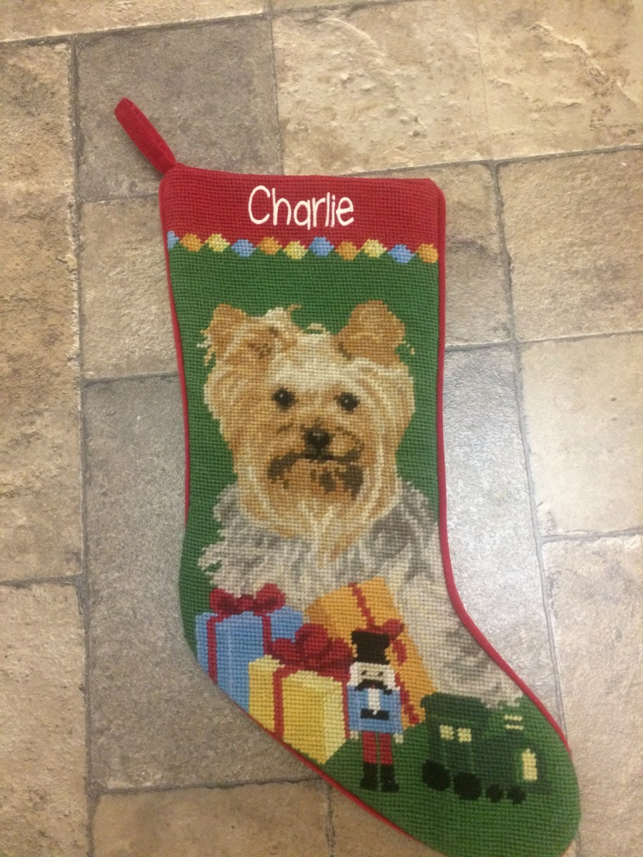Personalized pet gifts are awesome ideas for pet lovers.