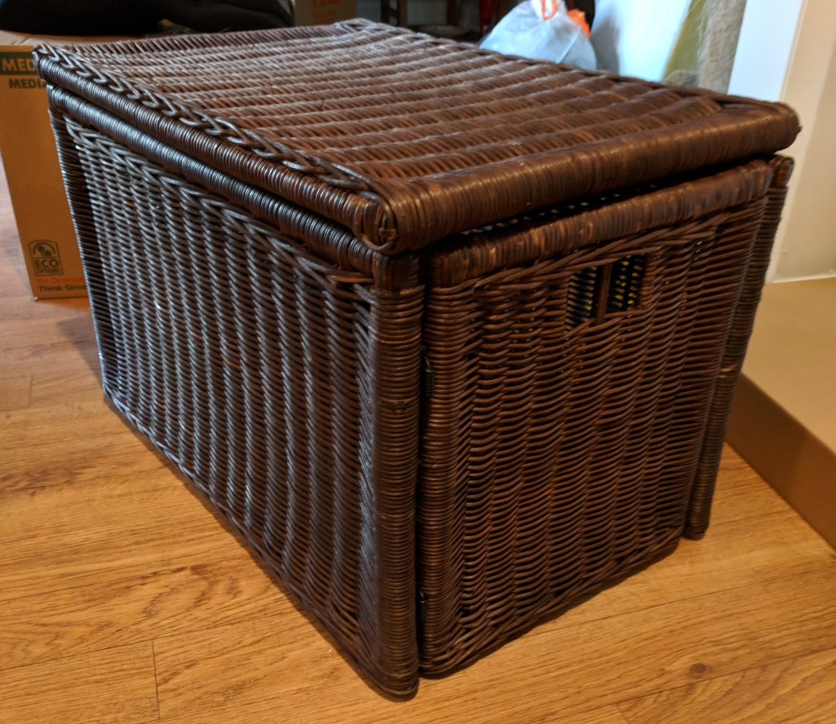 The wicker box from IKEA before kitty litter optimization mode.