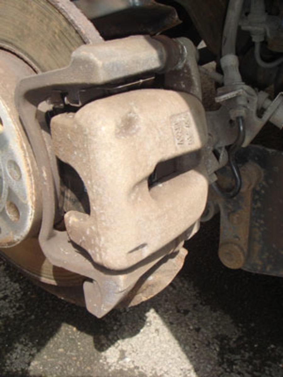 VW Touran Brake Pad Change | AxleAddict