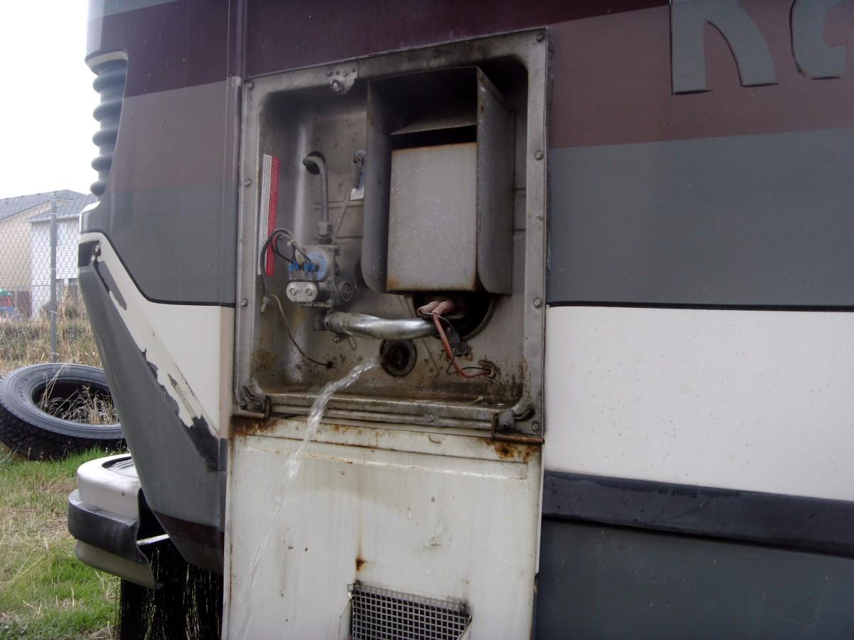 Draining the hot water tank