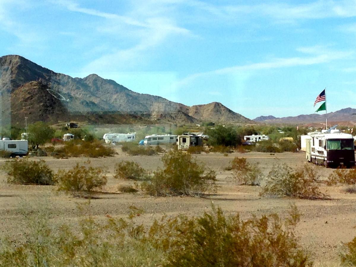 RV Living Off the Grid - Cheap Camping in Quartzsite, Arizona