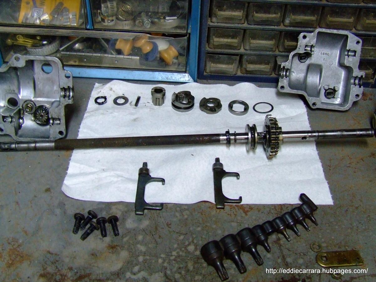 Honda Harmony 215 transmission apart