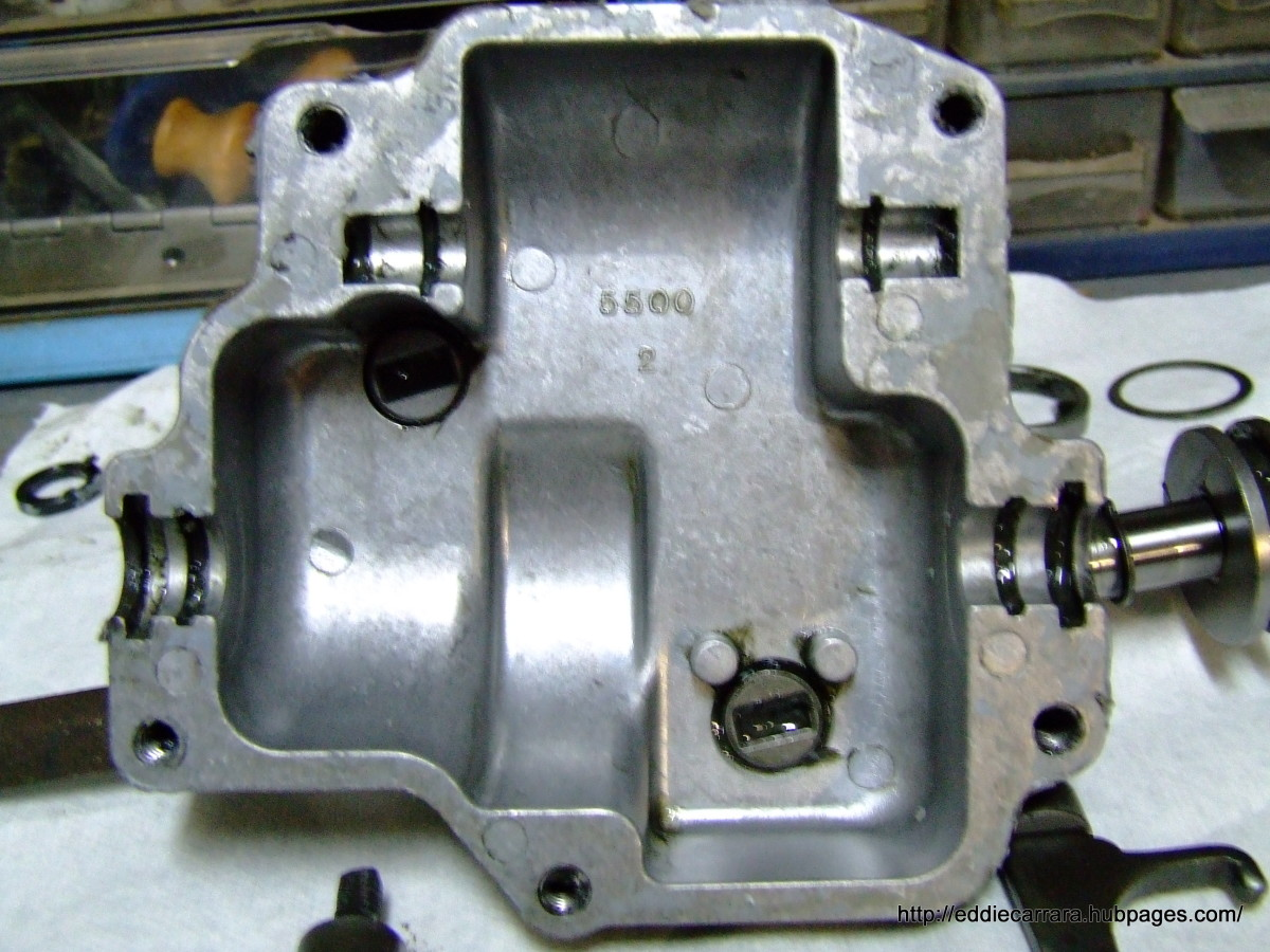 Honda Harmony 215 transmission Bottom case
