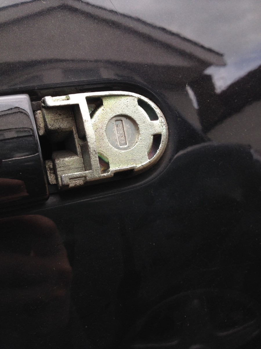 How To Open The Door To A Nissan Micra When The Battery Is