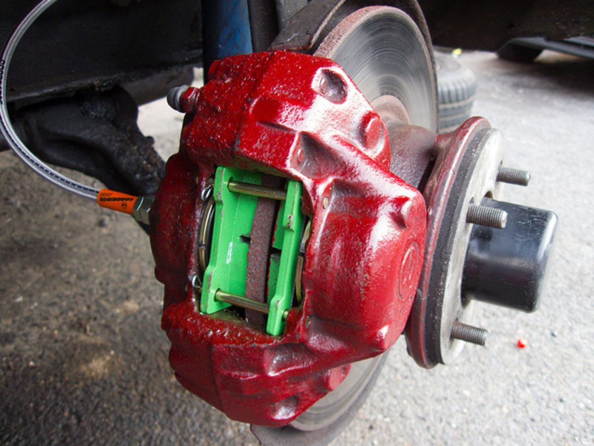 Squeaky Brakes and Other Symptoms of Brake Problems | AxleAddict