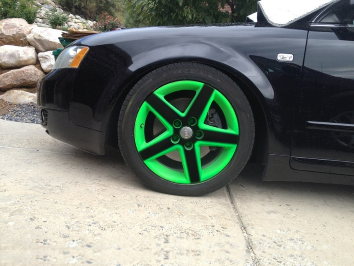 Plasti Dip doesn't only have to be used on the body—it can be used on the rims, too.