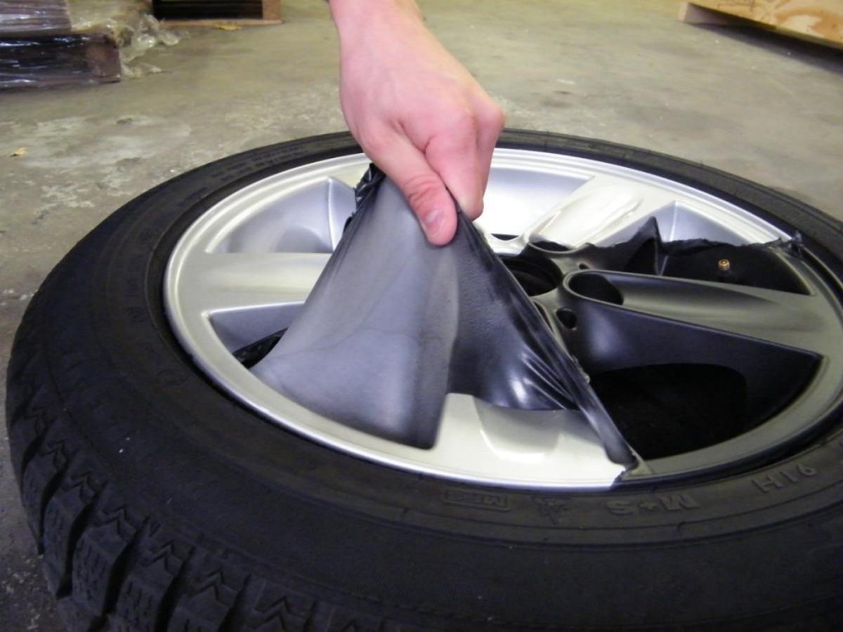 Plasti Dip easily peels off of cars.