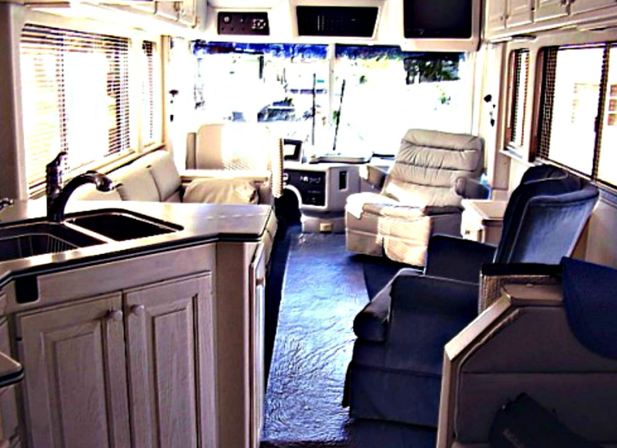 A good floor plan makes RV interiors seem more spacious..