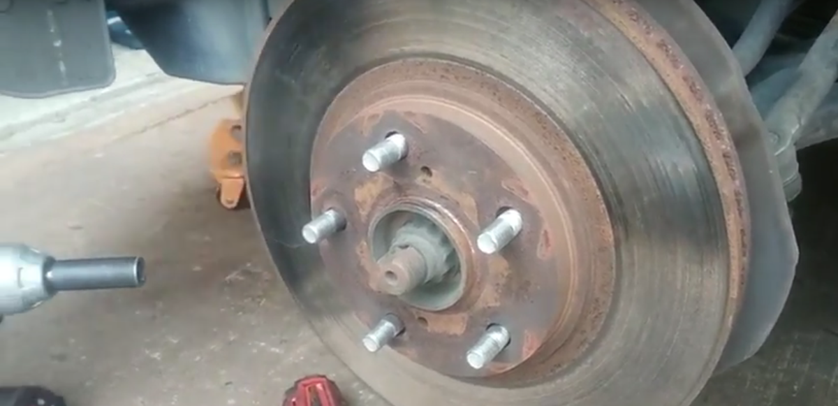Toyota Front Brake Service Brake Pad And Rotor Replacement With Video Axleaddict A Community Of Car Lovers Enthusiasts And Mechanics Sharing Our Auto Advice