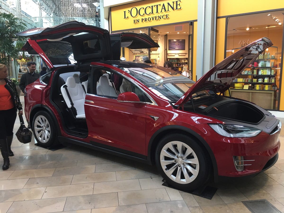 Tesla Model X in The Mall