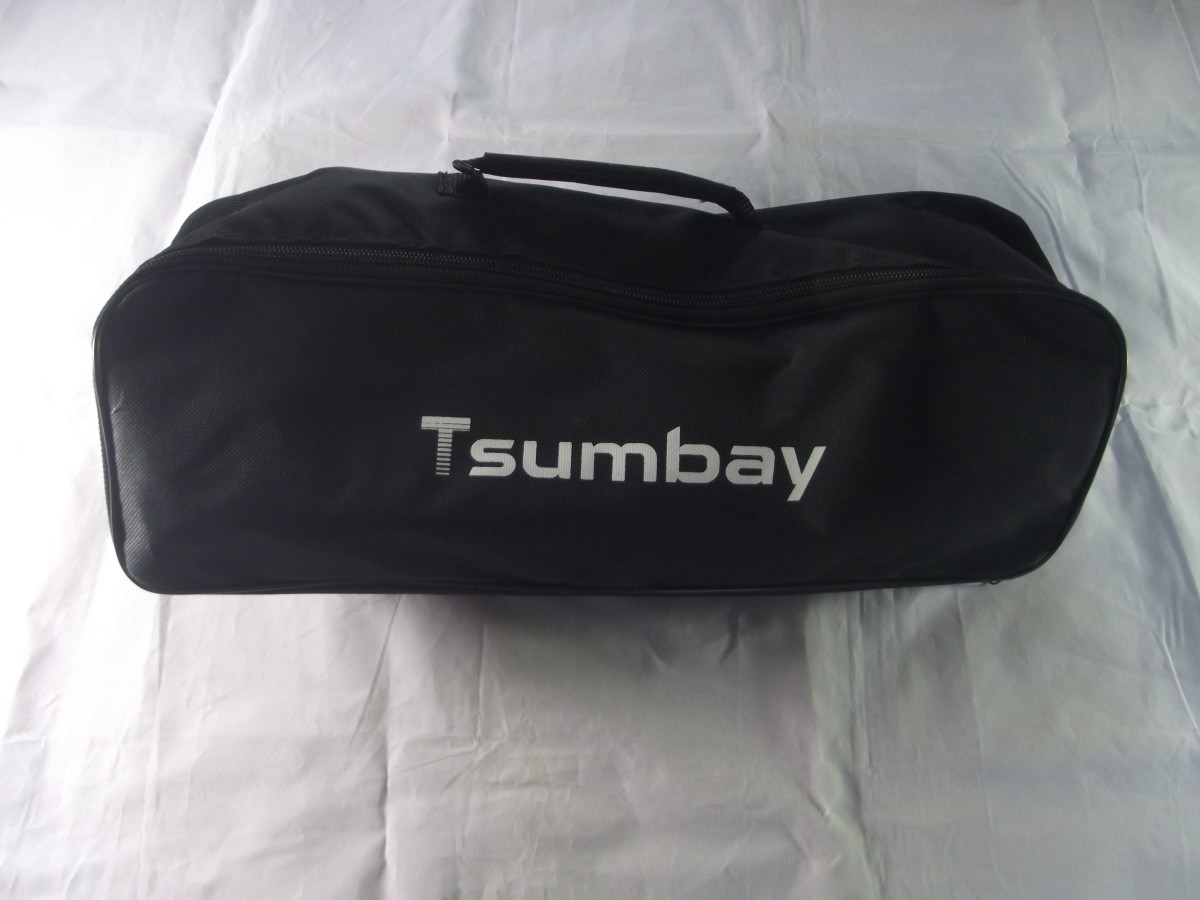 Carrying case for Tsumbay's TS-CV05 car vacuum cleaner.