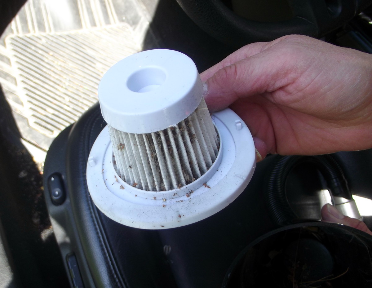 Washable filter from Tsumbay's TS-CV05 car vacuum cleaner.