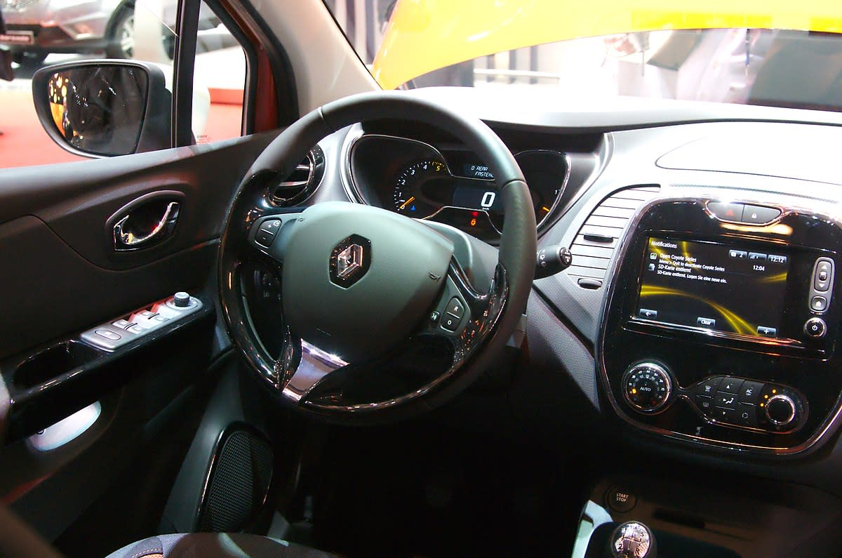 Squeaking sounds coming from the steering wheel may point to a loose steering column shroud.