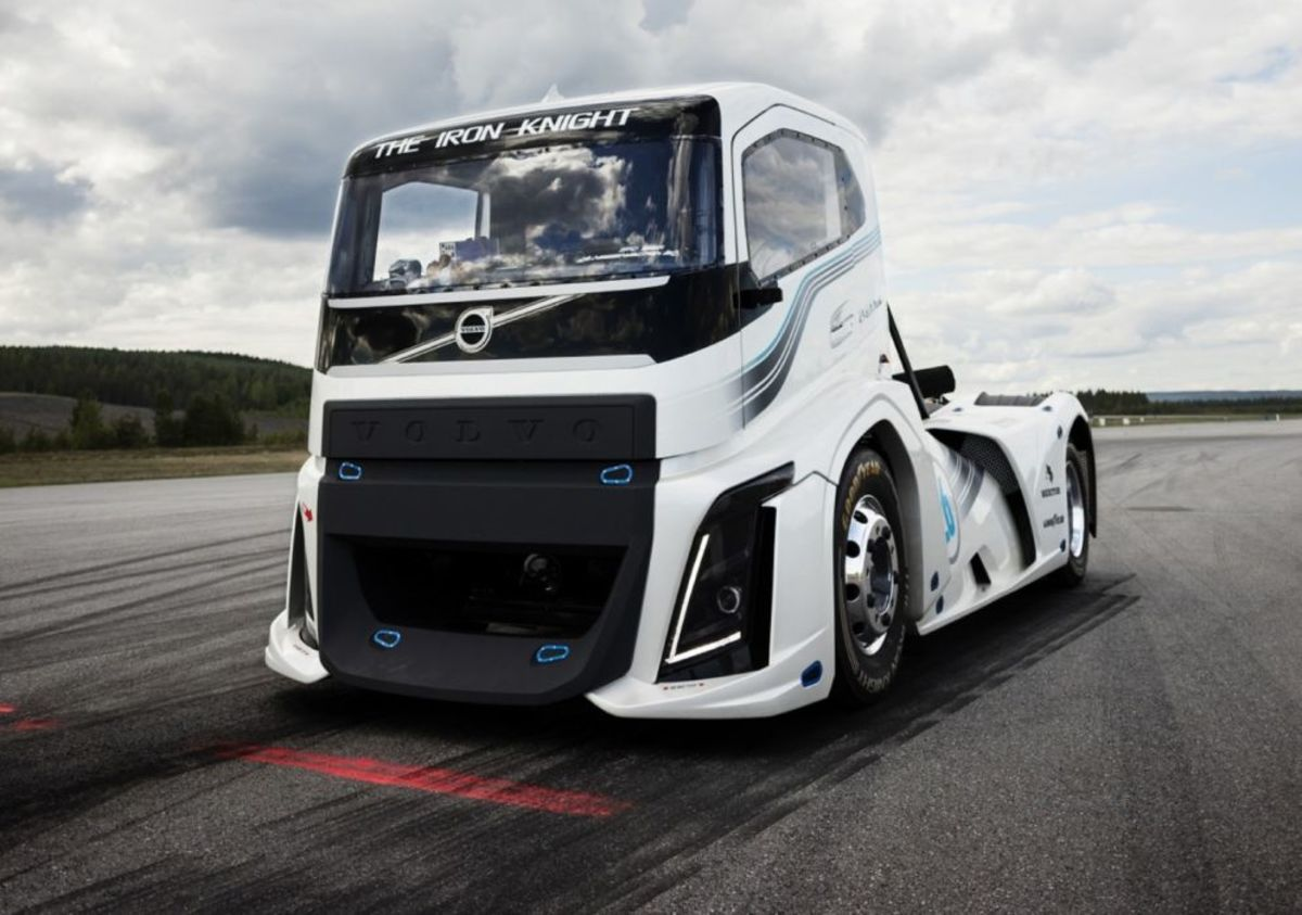 top-7-fastest-semi-trucks-in-the-world