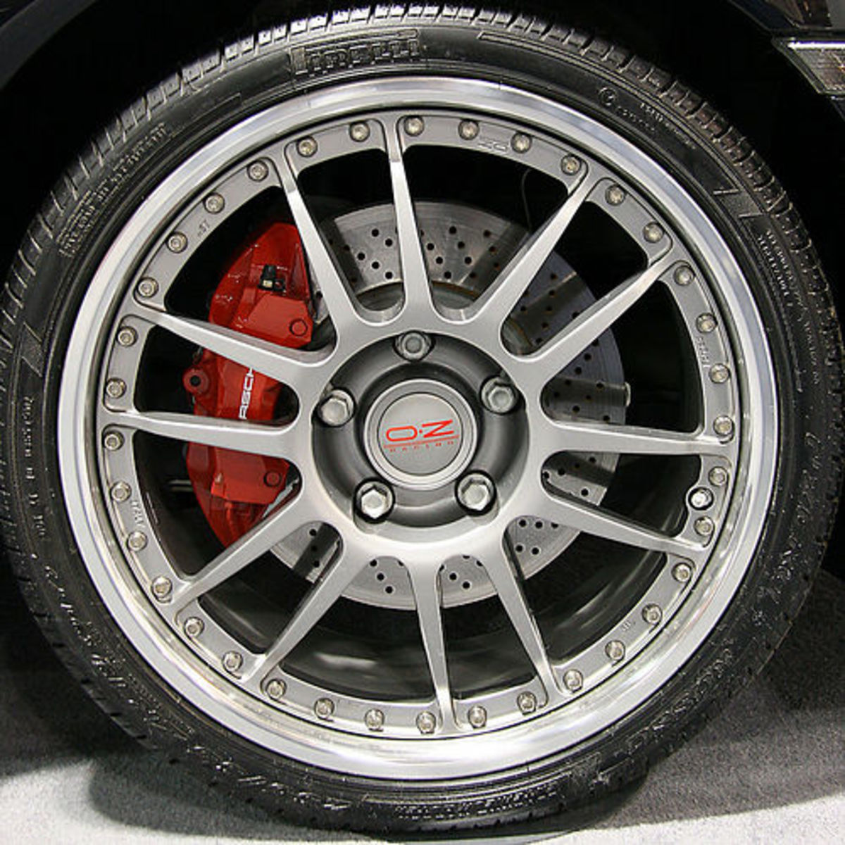 Close-Up Porsche Tire (Photo courtesy by Rockies from Flickr)