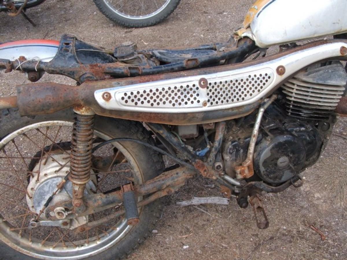 MT 250 Honda Elsinore before restoration