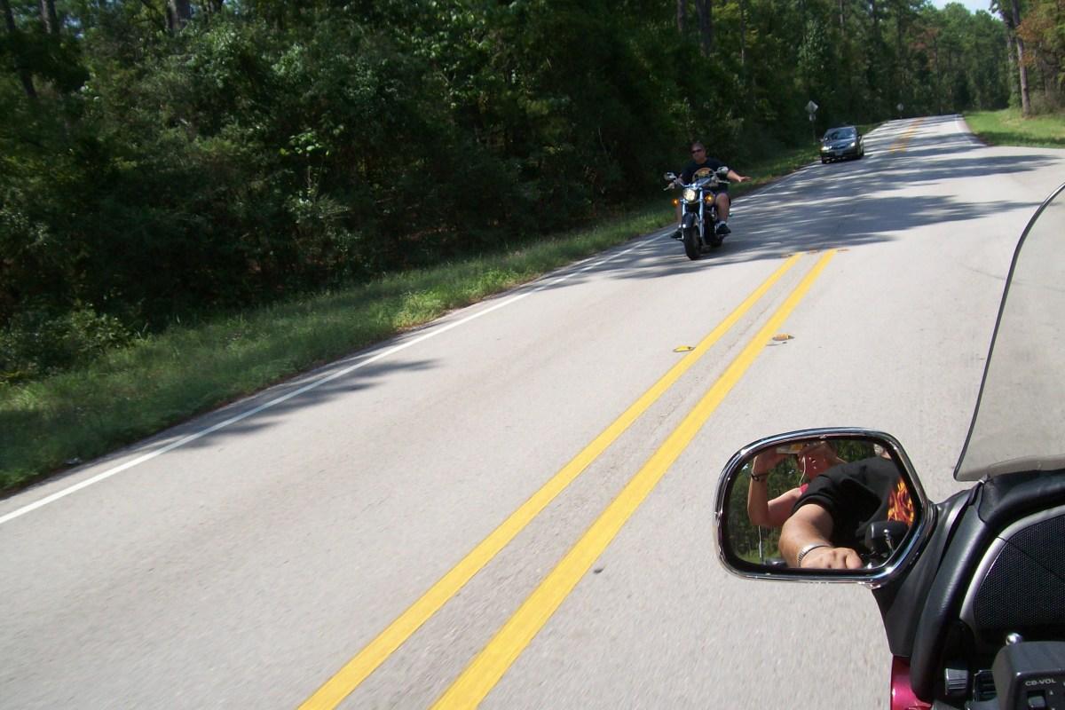 motorcycleetiquettehownottowavelikeadork