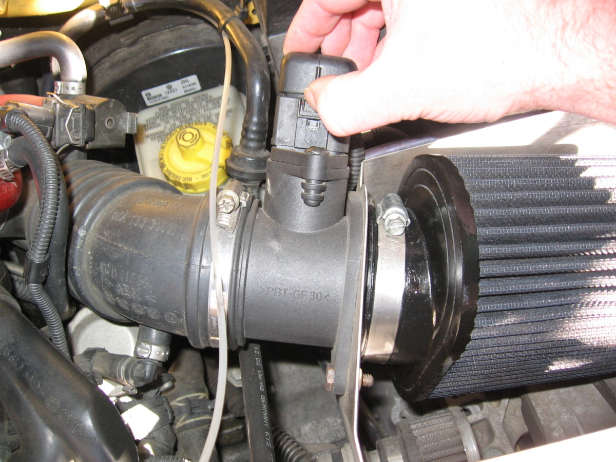 How To Clean or Replace the MAF Sensor for VW or Audi AxleAddict
