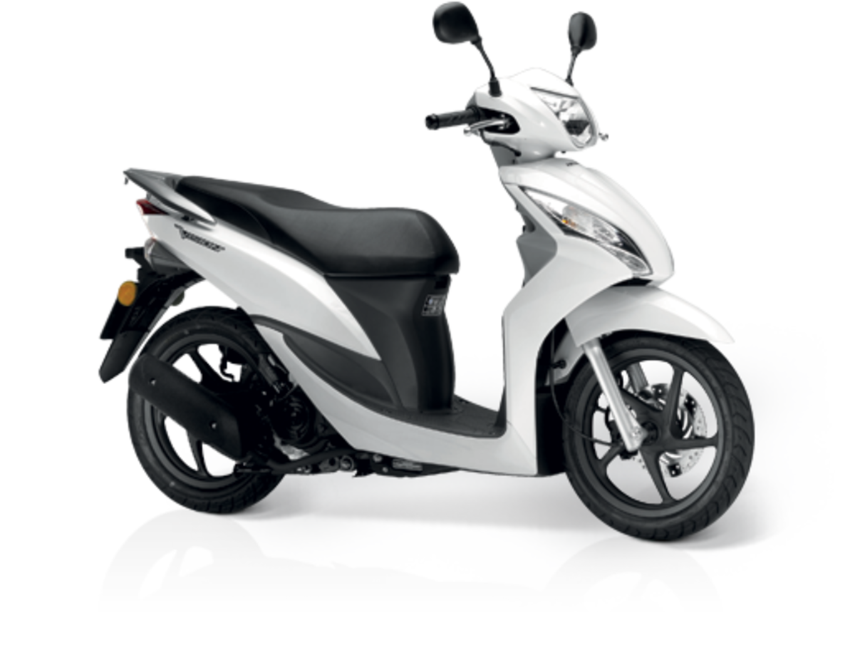 A 50cc Moped: Ideal Scooters for Beginners | AxleAddict