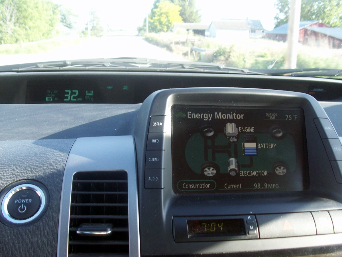 Engine off, no battery usage.  The preferred screen.  Note the speedometer in the upper left of the photo.