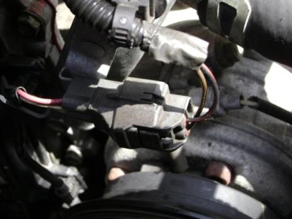 R. Crankshaft position sensor plug