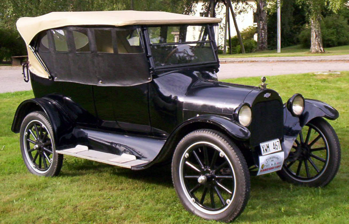 "In the early 1920s Chevy challenged Ford's Model ""T"" on it's own low-cost turf.  The Chevy was well made and thrifty and Ford now had some serious competition. 1922 Chevrolet shown."