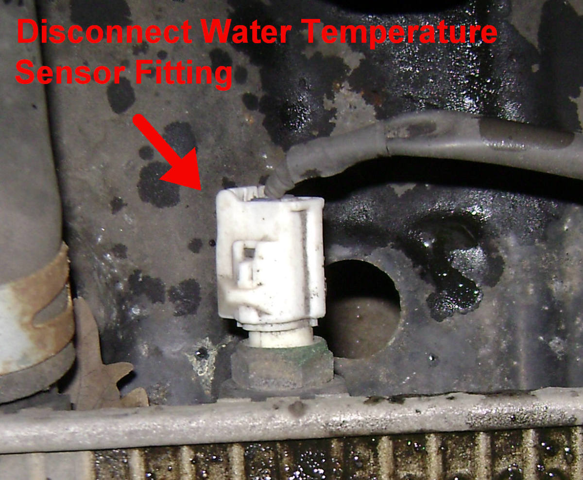 97 - 01 Toyota Camry Thermostat and Temperature Sensor