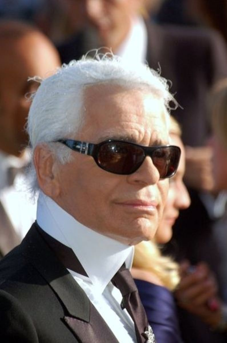 Karl Lagerfeld has been known to sport some stylish leather driving gloves from time to time :D