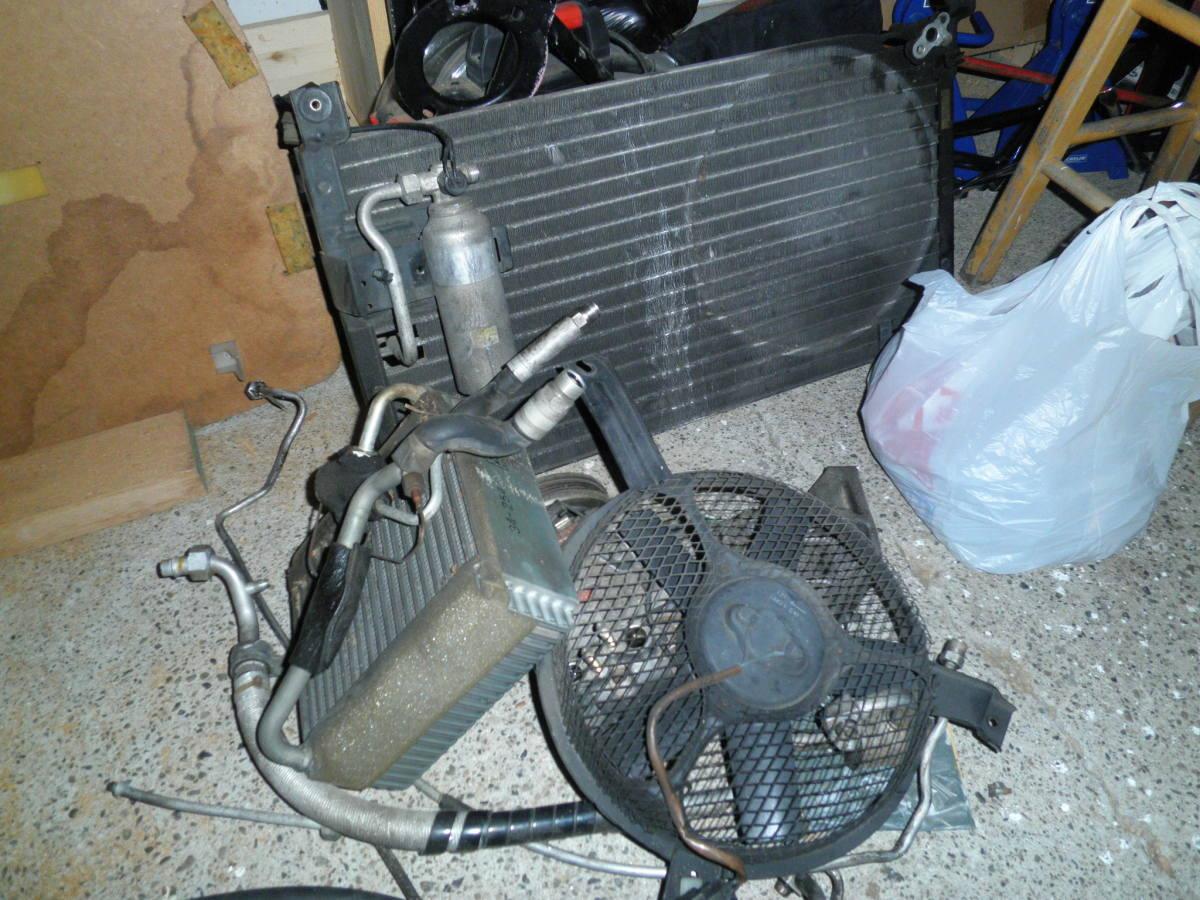 A / C相关组件。交流矩阵,散热器,散热器风扇,交流泵。
