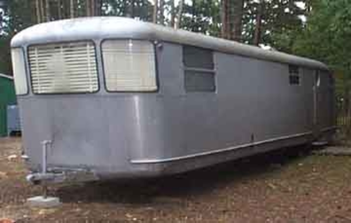 1951 Imperial Mansion. This is another trailer I would love to own. This one has two bedrooms and a full bathroom. It is a park model, but it is a beauty.