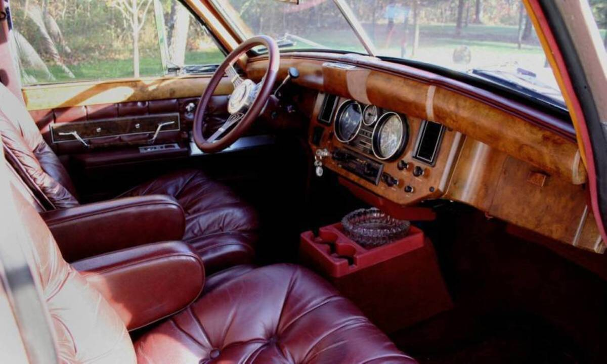 Jaguar Mark VII interior