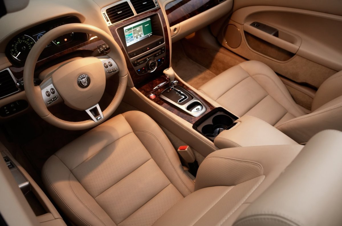 2002 JAGUAR XKR INTERIOR