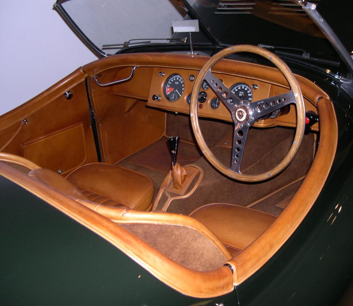 1950 Jaguar XK 120 interior