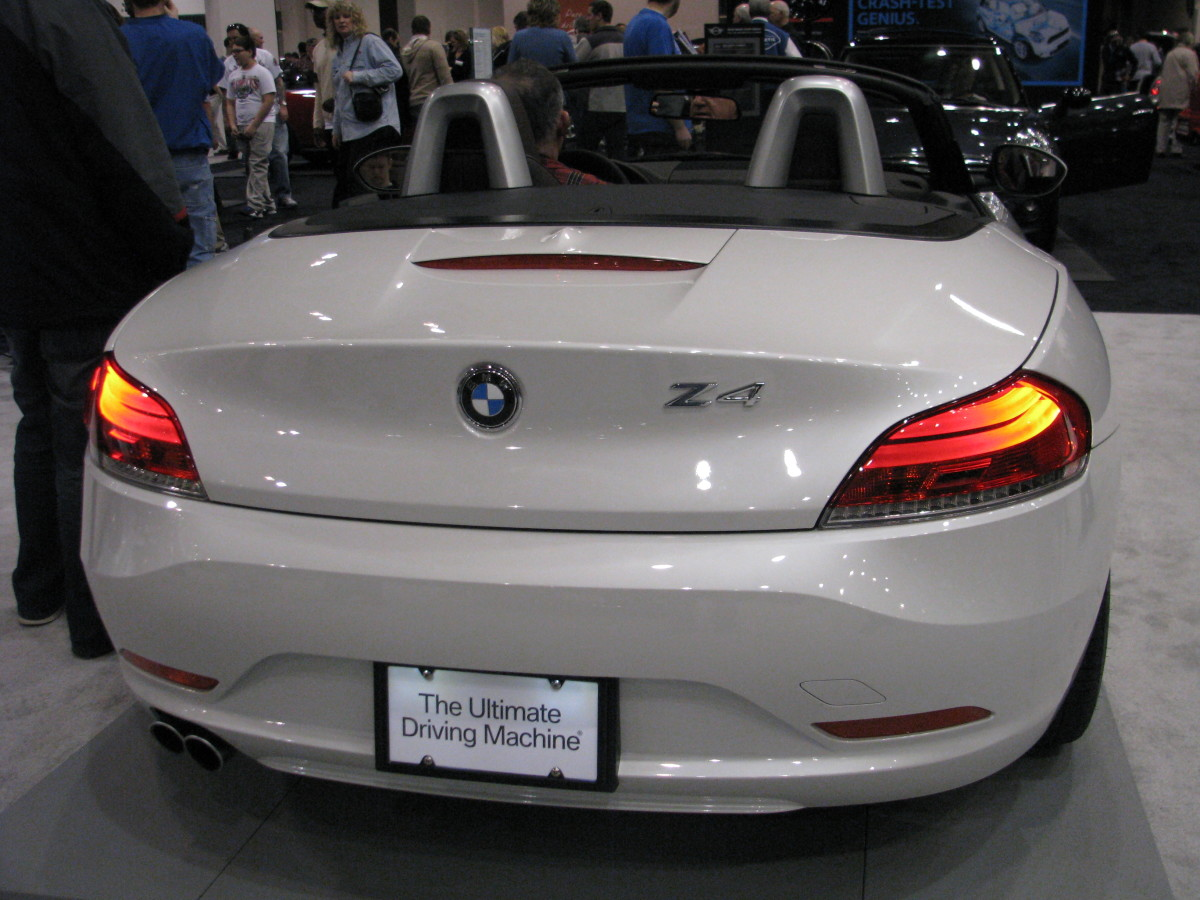 BMW Z4 sDrive 35 back view