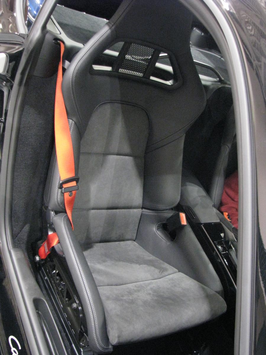 Porsche Cayman R seat