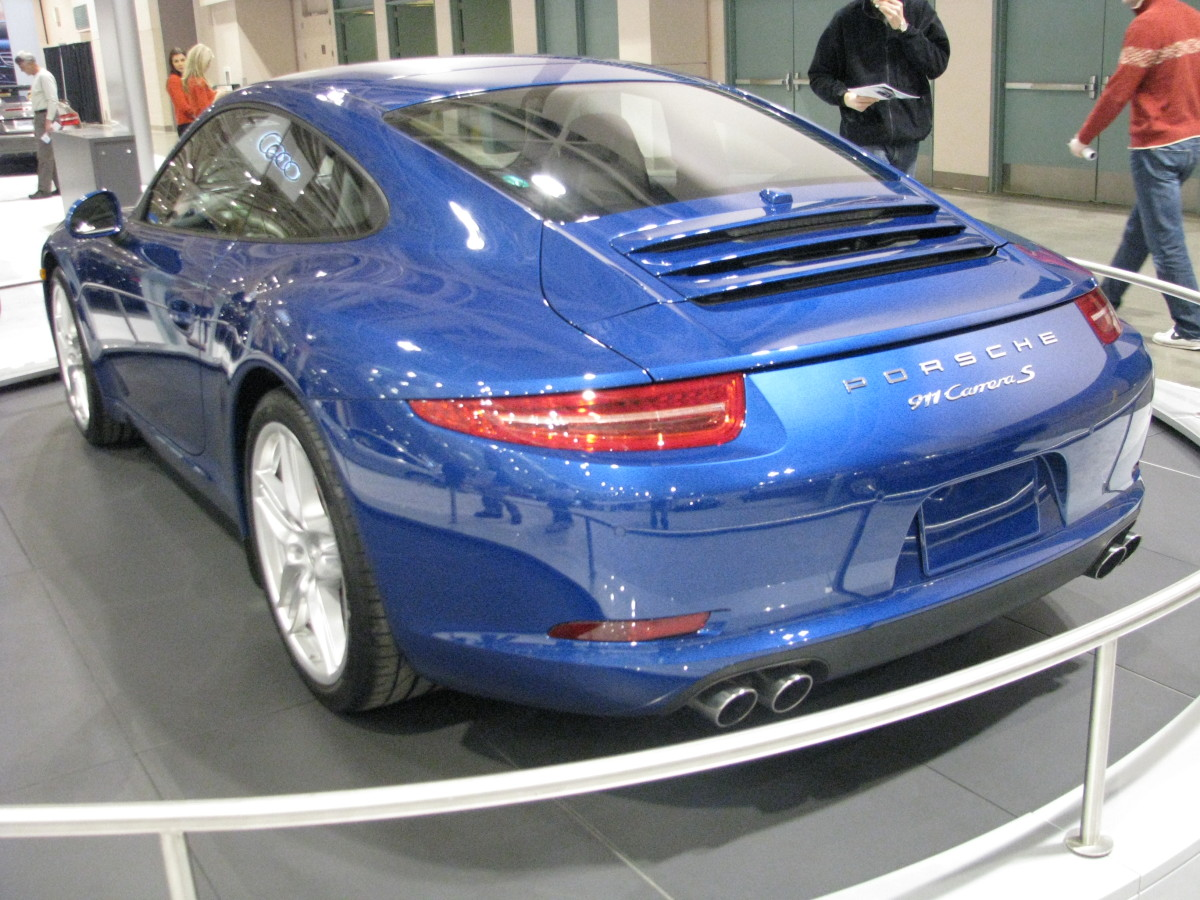 Porsche 911 Carrera S back view