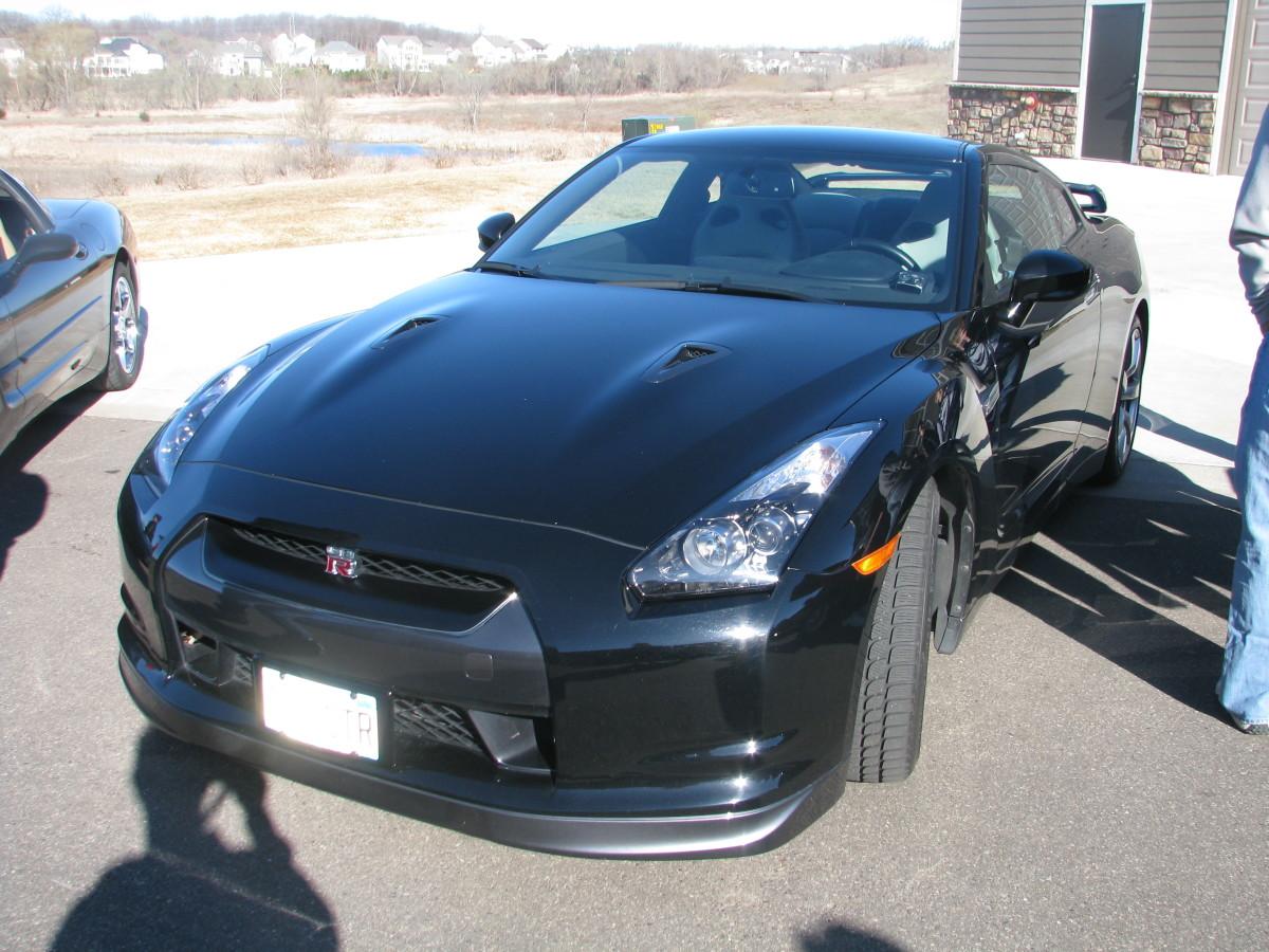 Black Nissan GT-R