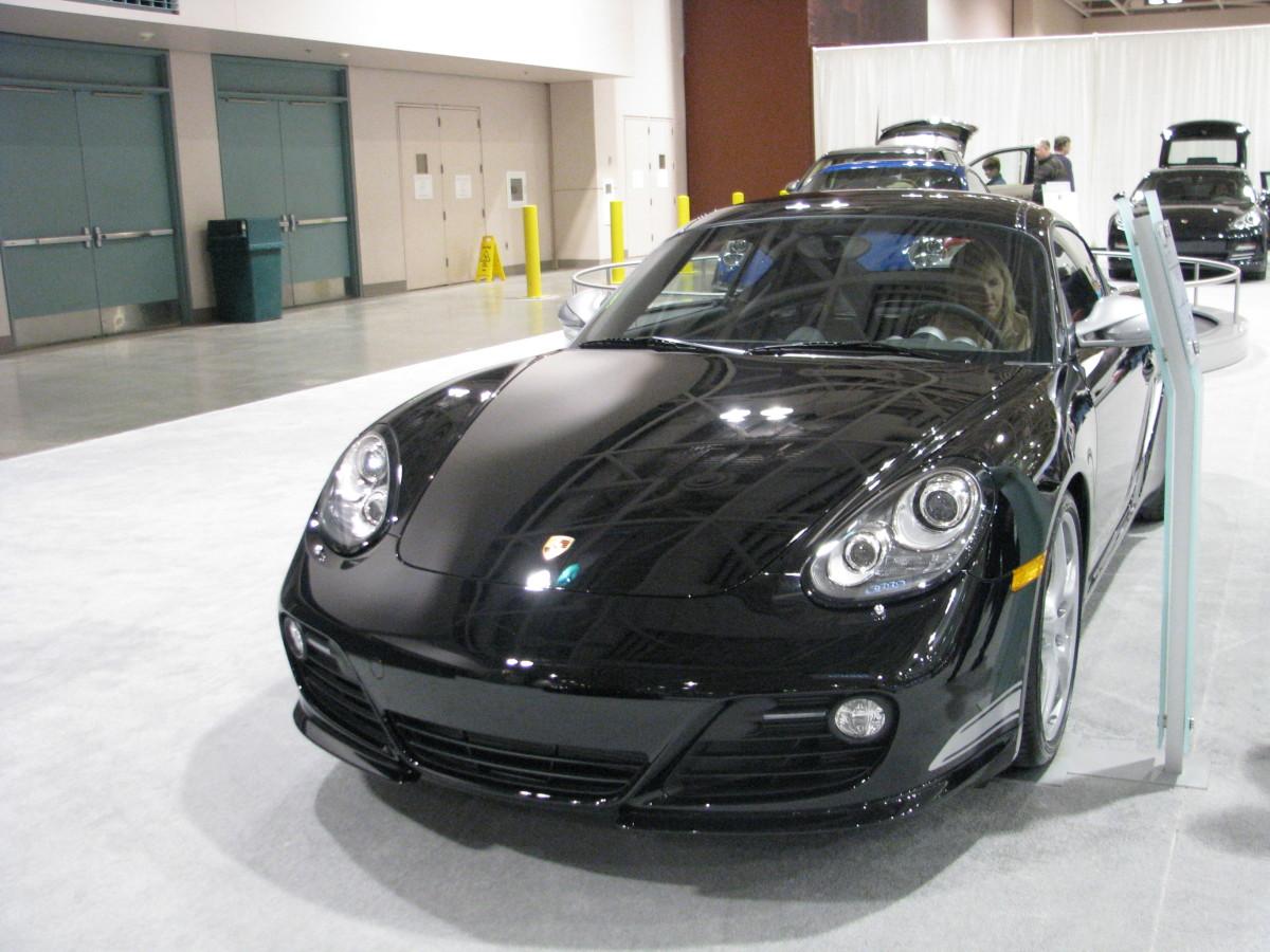 Porsche Cayman R front view